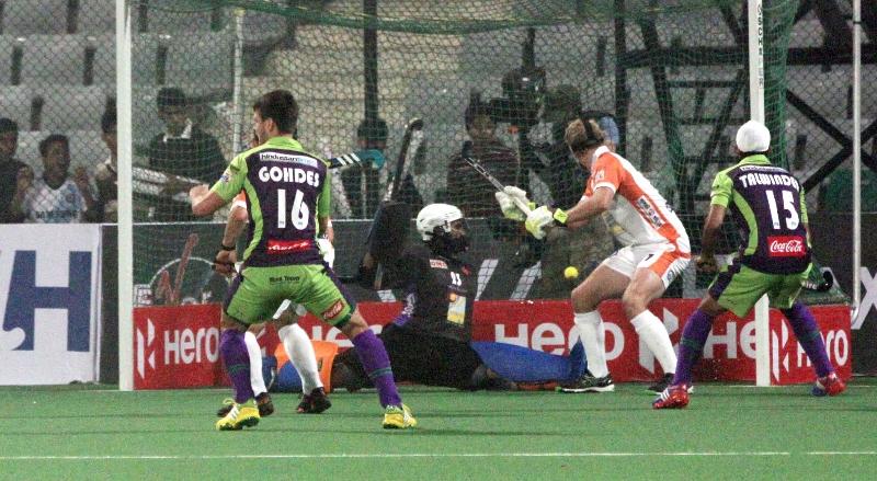dwr-scoring-a-1st-goal-against-kl-at-delhi