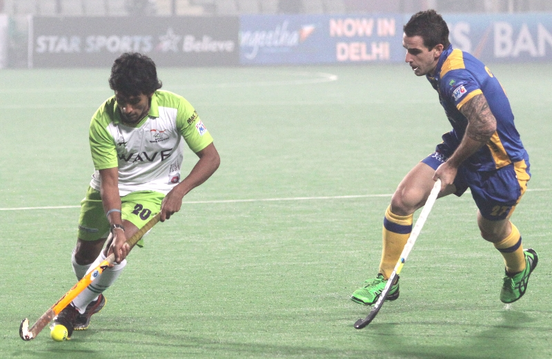 arjun-halappa-of-dwr-in-action-against-jpw