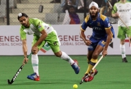 akashdeep-singh-of-dwr-in-action-against-jpw