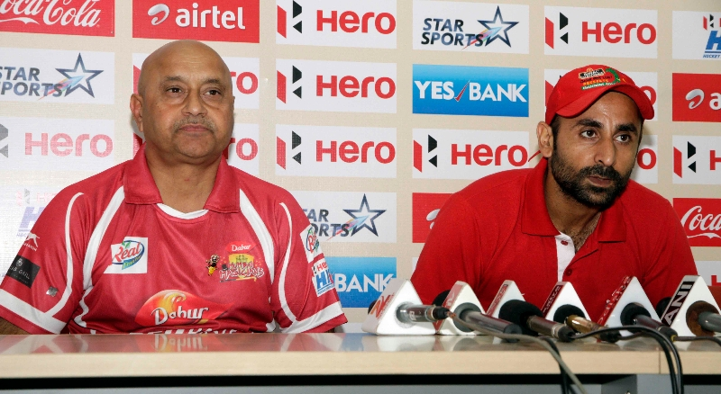 coach-mk-kaushik-prabhjot-singhc-of-dmm-during-post-match-press-conference-2
