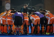 kl-team-huddle