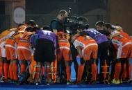 kl-team-huddle