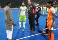 ramesh-chandra-majhi-minister-sports-youth-services-with-players2