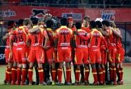 rr-team-huddle