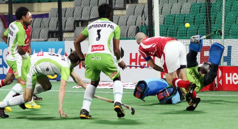 dmm-scoring-a-goal-against-dwr-at-delhi