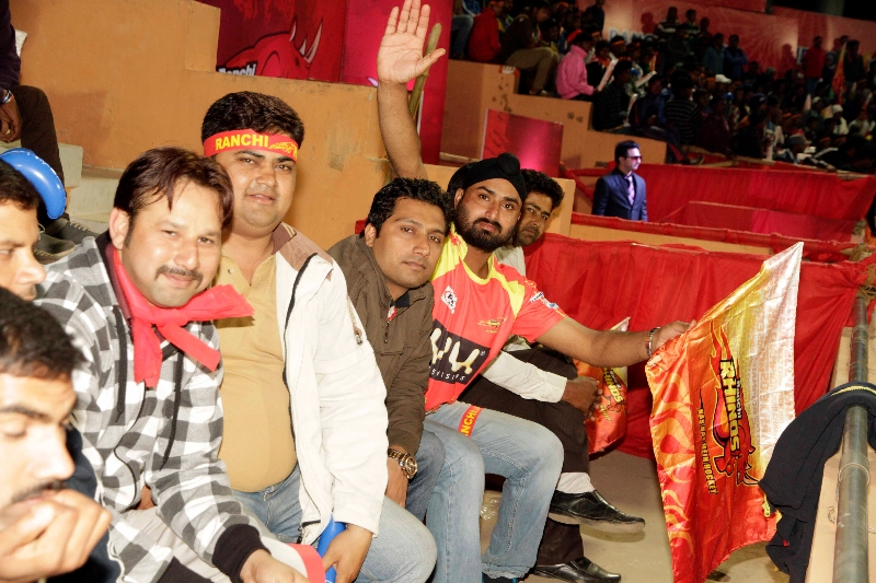 fans-of-rr-during-the-match-1