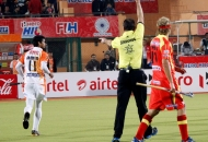 umpire-gary-simmonds-showing-yellow-card-to-mohd-amir-khan-of-kl