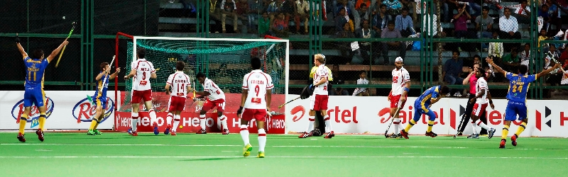 jpw-scoring-a-goal-against-dmm-at-mumbai-on-08th-feb-2014-2