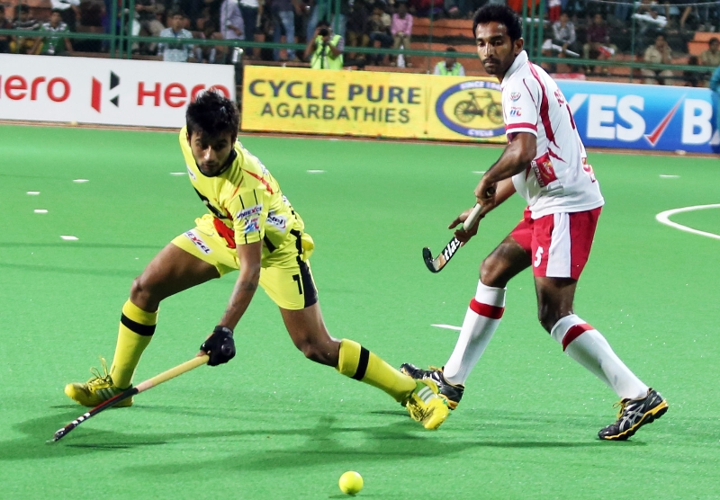 manpreet-singh-c-of-rr-in-action-against-dmm