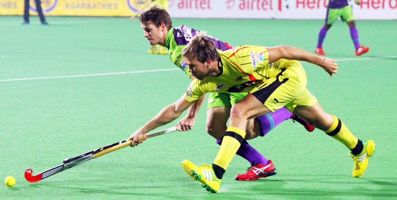 moritz-furste-c-of-rr-in-action-against-dwr-at-delhi-2