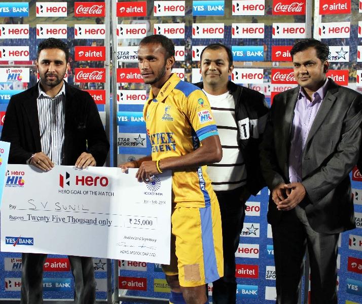 s-v-sunil-of-jpw-received-hero-goal-of-the-match-award