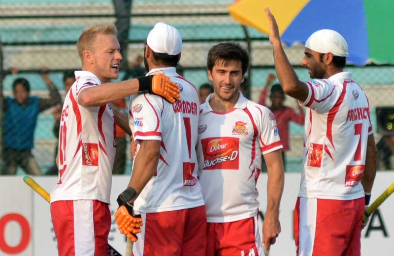 DMM celebrates after winning the 2nd Match in HHIL 2014