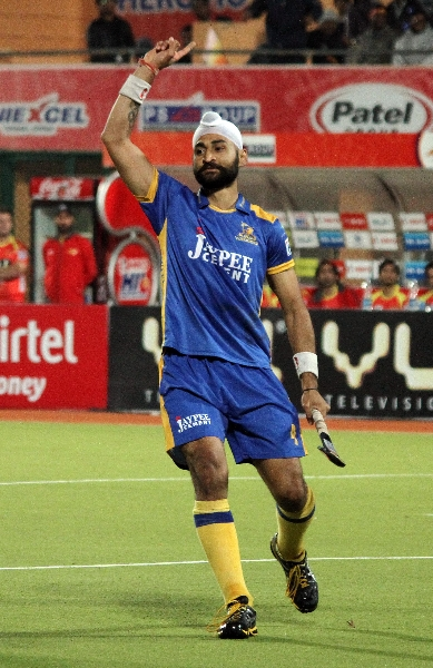 sandeep-singh-of-jpw-celebrating-after-scoring-goal-against-rr-1