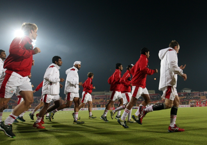 mumbai-magician-players-in-warm-up-session-during-17th-match-of-hhil-2013-at-astroturf-hockey-stadium-ranchi-on-date-28-jan-2013-1
