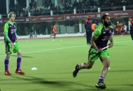 delhi-wave-rider-player-in-warm-up-session-during-22nd-match-of-hhil2013-at-astroturf-hockey-stadium-ranchi-on-date-1-feb-2013-1