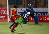 gurvinder-chandi-scoring-first-goal-of-the-match-for-dwr-maych-no-22nd-hhil-2013-at-ranchi-2