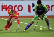 ranchi-rhinos-players-and-dwr-player-in-action-during-22nd-match-of-hhil2013-at-astroturf-hockey-stadium-at-ranchi-on-date-1-feb-2013-5