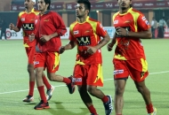 ranchi-rhinos-players-in-warm-up-session-during-22nd-match-of-hhil2013-at-astroturf-hockey-stadium-ranchi-on-date-1-feb-2013-2