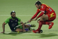 rr-player-and-dwr-player-in-action-during-22-match-no-of-hhil2013-at-ranchi-1
