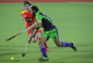 rr-player-and-dwr-player-in-action-during-22-match-no-of-hhil2013-at-ranchi-4