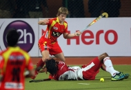 mumbai-magician-and-ranchi-rhinos-players-at-hhil-2013-at-ranchi-hockey-stadium-1