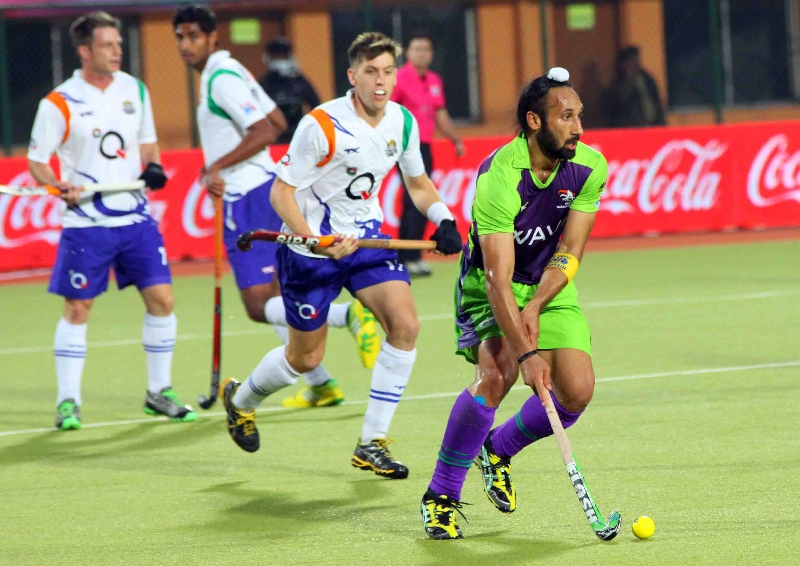 sardar-singh-c-of-dwr-scoring-a-goal-against-upw-2