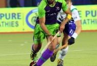 sardar-singh-c-of-dwr-in-action-against-upw-1