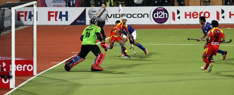 mandeep-singh-of-rr-scored-fourth-goal-for-rr-against-upw-during-the-1st-semi-finals-at-ranchi-on-9th-feb-2013-1