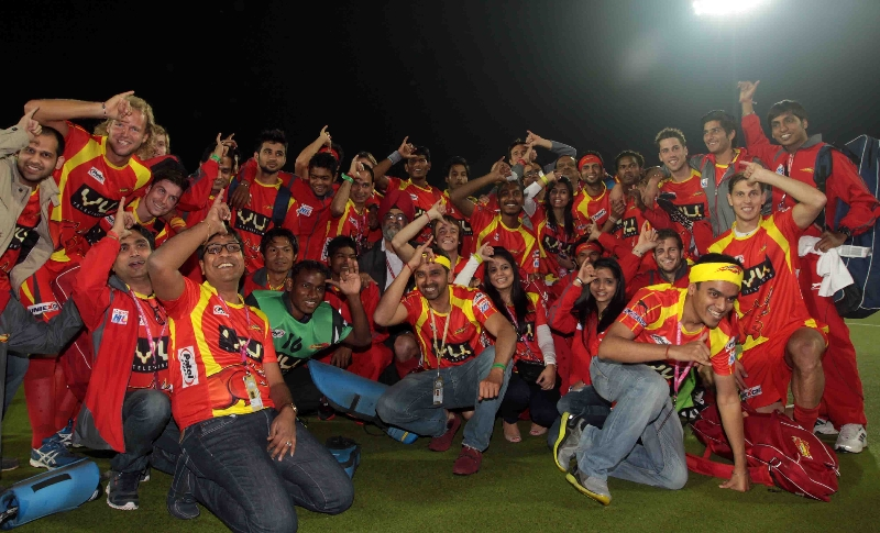 rr-team-after-winning-the-1st-semi-final-match-over-upw-at-ranchi-on-9th-feb-2013-4