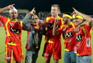 rr-team-after-winning-the-1st-semi-final-match-over-upw-at-ranchi-on-9th-feb-2013-1