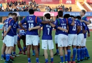 up-wizards-team-huddles-before-the-1st-semi-final-against-ranchi-rhinos-at-ranchi-on-9th-feb-2013