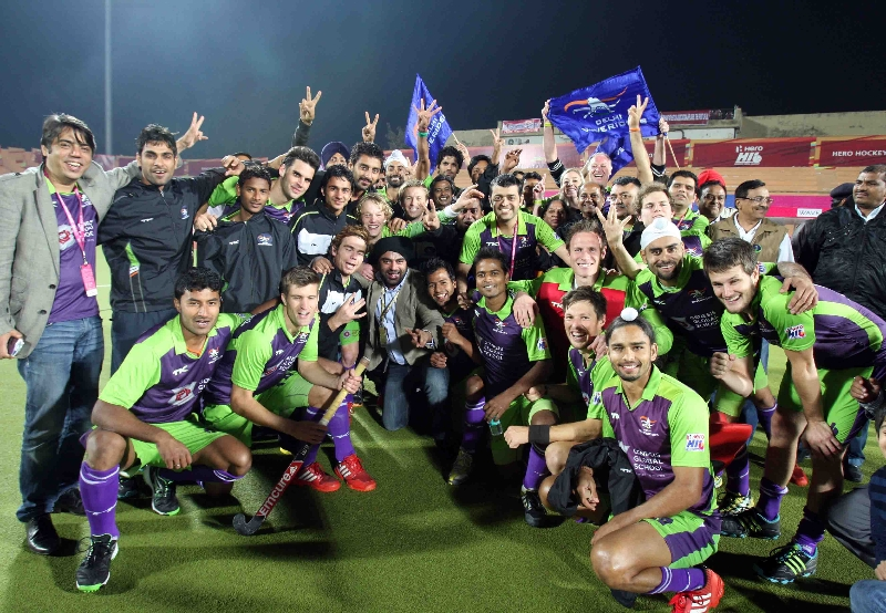 delhi-waveriders-team-after-winning-the-2nd-semi-finals-at-ranchi-against-jpw-on-9th-feb-2013-5