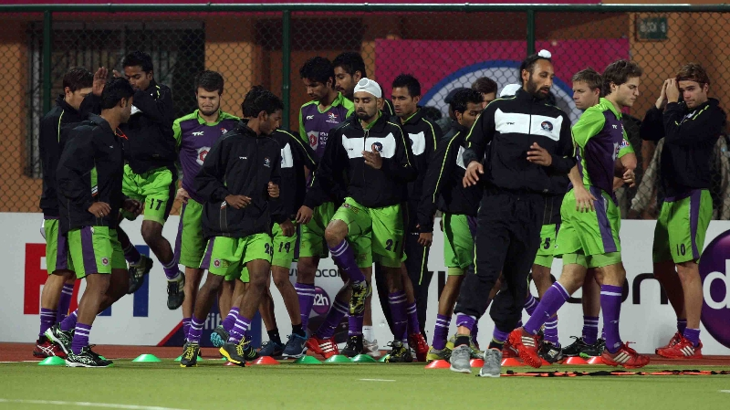 dwr-team-during-their-warmup-session-at-ranchi-before-2nd-semi-final-on-9th-feb-2013-2