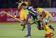 dwr-and-jpw-in-action-during-the-2nd-semi-finals-at-ranchi-on-9th-feb-2013-3