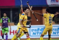 jamie-dwyer-jpw-skipper-scored-a-first-goal-for-jpw-against-dwr-during-the-2nd-semi-finals-at-ranchi-on-9th-feb-2013-2