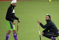 sardar-singh-skipper-of-dwr-during-their-warmup-session-at-ranchi-before-2nd-semi-final-on-9th-feb-2013-1