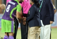 sardar-singh-skipper-of-dwr-shaking-hands-to-cheif-guest-of-the-match