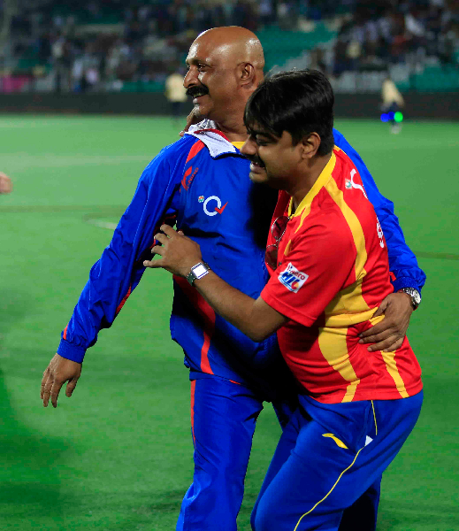 rr-celebrates-after-win-the-match-1