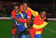 rr-celebrates-after-win-the-match-4