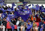 up-wizards-supporters-enjoying-the-first-goal-against-mumbai-magicians