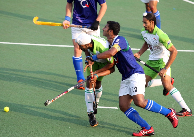 players-in-action-during-the-match