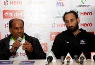 sardar-singh-dwr-captain-along-with-his-coach-during-post-match-press-conference-at-lucknow-on-3rd-feb-2013-1