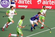 up-wizards-and-delhi-waveriders-player-in-action-during-the-match-at-lucknow-on-3rd-feb-2013-2