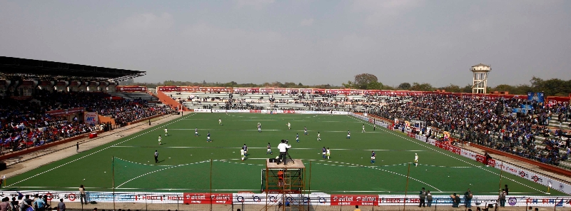 dhyan-chand-stadium-lucknow-packed-with-crowd-during-the-match-between-up-wizards-vs-delhi-waveriders-on-19th-jan-2013