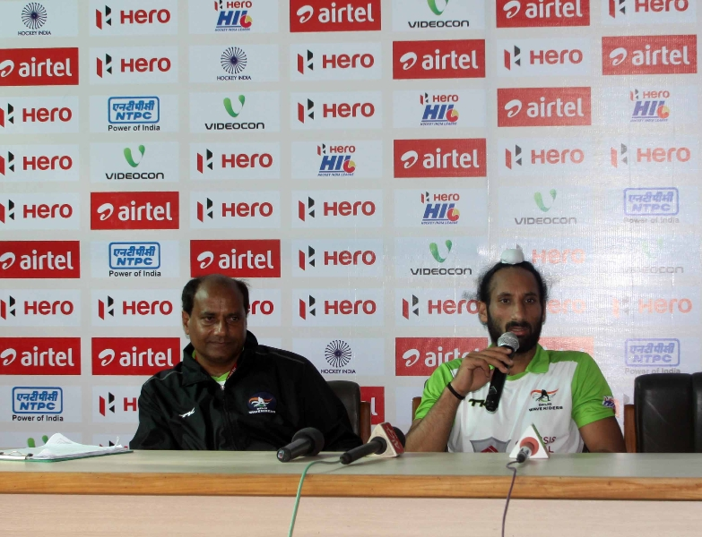 sardara-singh-captain-of-delhi-waveriders-at-press-conference