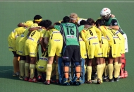ranchi-rihnos-team-huddle-before-the-match