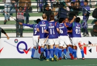 UP wizards celebrating their first goal against rhinos match at lucknow on 20th Jan 2013 (pic-1)
